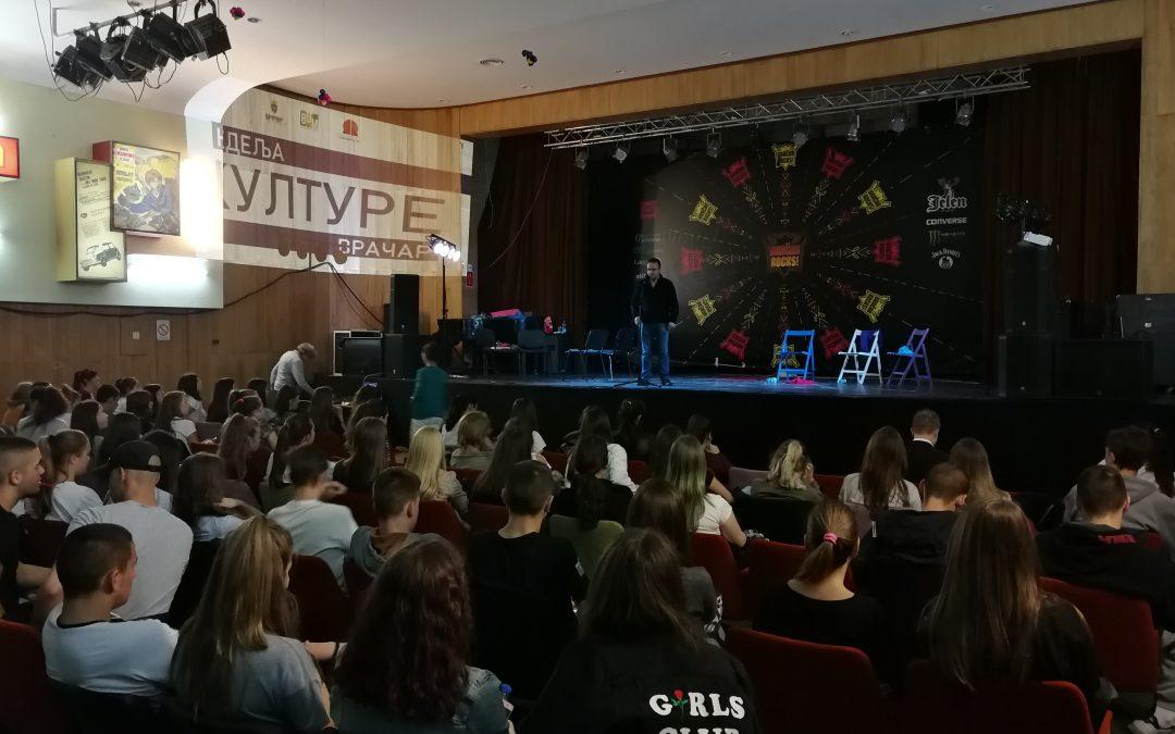 """Održana predstava """"Raskršće"""" u okviru Nedelje kulture na Vračaru"""